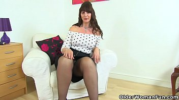 Curvy Milf Toni Lace From Scotland Teaches You A Lesson