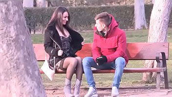 """Wanna do a street blowjob?"" Lucia picks up a lucky guy in the Madrid park"