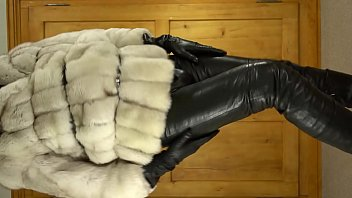 Cumshot in leathers and furs