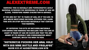 Hotkinkyjo fucking her anal hole with big wine bottle and gape