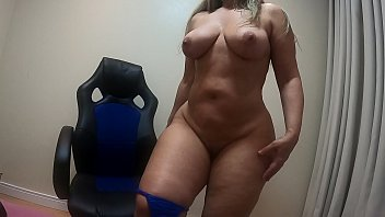 sensualizing and swaying your giant butt with blue lingerie! be my friend on x video write! hi subscribe to onlyfnas.com/marciabumbumgg/ VISIT MY OFFICIAL WEBSITE MARCIABUMBUMGG.COM