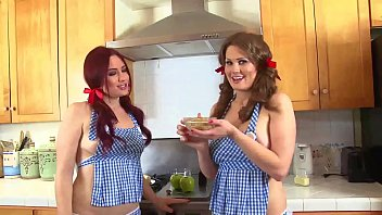 Allison Moore and Jessica Ryan Cook Up Some Pussy Pie