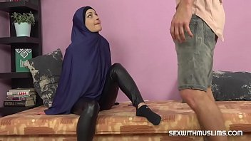 Arabic language porn - Horny muslim woman was caught while watching porn