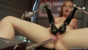 Hottie gets machine fucked and vibed