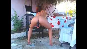 Young girl teasing  big ass on webcam at out side