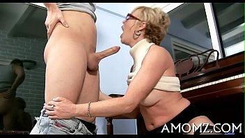 Juicy mature pussy gets spoiled