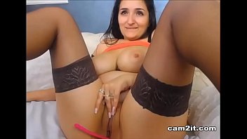 Dirty Camgirl Plays With Her Pussy - Cam2it.com