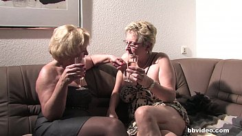Bbvideo.com German grannies plays with their twats 6 min