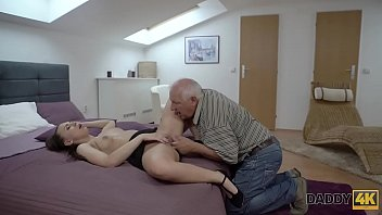 DADDY4K. Old man has troubles with computer but not with his dick