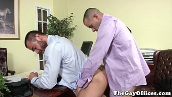 Vegetarians are gay - Gaysex office hunk assfucked deeply