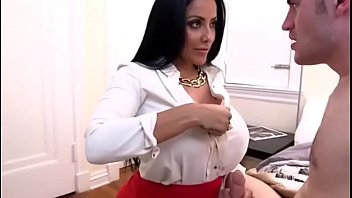 Fake Mom Kiara Mia, Ariana Marie Tastes Hot Threesome