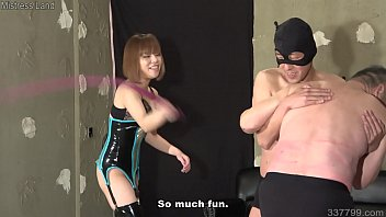 Japanese femdom Maria whips two slaves