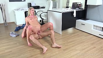 18 Virgin Sex - Talented babe masturbates and pleases a hard dick