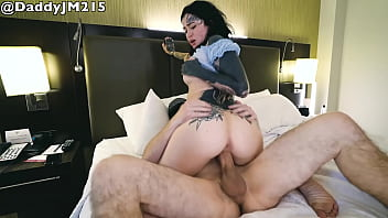 CoverTatted Babe Gets BWC in Hotel Room