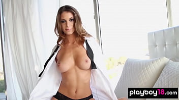 Busty beauty Amber Sym showing her sexy naked body
