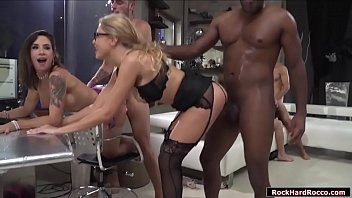 Carolina Vogue double penetration orgy