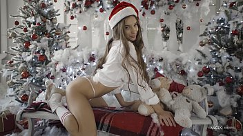 Sexy Babe Gloria Sol Christmas Video For Nudex