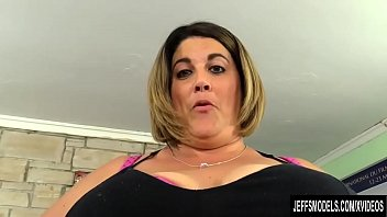 Vaginal discharge yellow green Hefty honey erin green shows off her fat body before blowing and screwing a guy