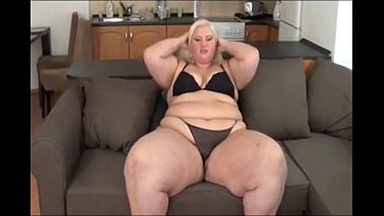 Big Booty SSBBW White Girl Gets Fat Ass Worked