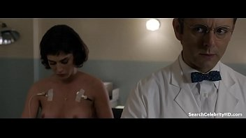 Lizzy caplan tits Lizzy caplan in masters sex 2013-2015