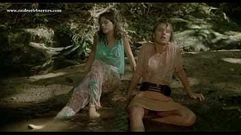Top nude scenes in Massacre in Dinosaur Valley (1985) starring Suzane Carvalho, Susan Hahn, etc. 3分钟
