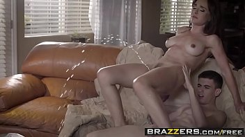 Brazzers - Mommy Got Boobs - (Nino Polla) - Can I Crash And Bang Your Mom 52秒