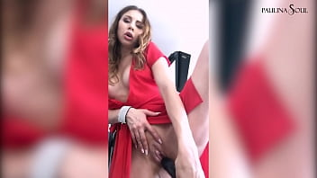 Sexy Bitch Gets Horny At The Photo Session And Fucked Herself With Black Dildo