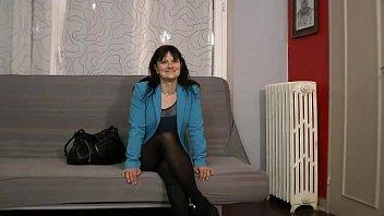 Mature photographer - Carla is doing a mature fuck by a false french agent