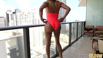 """Ebony tgirl showing booty off before tugging <span class=""""duration"""">6 min</span>"""