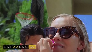 (Bailey Brooke, Small Hands) - Hot Day For A Tan - Brazzers