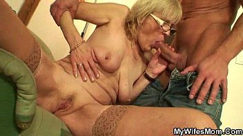 Muscled guy fucking his wife'_s mom