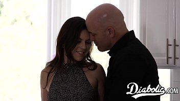 18yo seductress Juliette March roughly banged after BJ