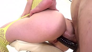 SEXY BABE IN YELLOW COSTUME FUCKED ON A CHAIR