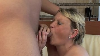 Old Housewife Fucks With Young Boy !!