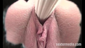 Small amateur Youngster eager to taste last drop of cumshot
