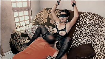 Ksal RaposaSexy: Stubborn wife lost a bet and had to pay fucking someone that she will never know who it is, I put one of my best clients to receive it for me, very nice older guy, now I don't lack service and Raposa doesn't win a bet