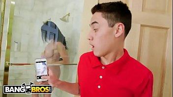 BANGBROS - Juan El Caballo Loco Spies On His MILF Stepmom In Shower