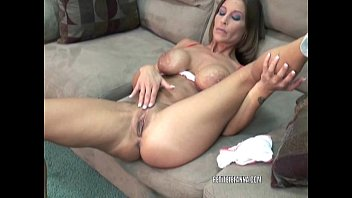 Mature fucking and masturbating Mature hottie leeanna heart is fucking her toy