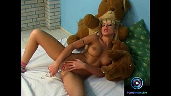 Blonde Teen Jessica Florentino First Time Playing Dildo
