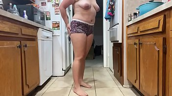 Amateur Solo Panty Soaking In The Kitchen