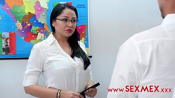 Depraved Teacher Seduces Her Students And Fucks Them. Maestra Depravada Pamela Rios