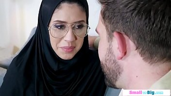 Conservative arab babe squirts and gets assfucked by her guy