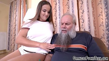 Teen gets old dudes jizz in her mouth