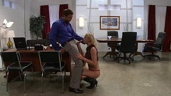 Natalie Norton Gets Called Into Her Bosses Office For A Deep Drilling 10分钟