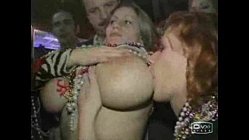 Girl flashes friends boobs - Busty girl shows boobs at mardi gras