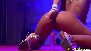 flexi teen masturbating on stage