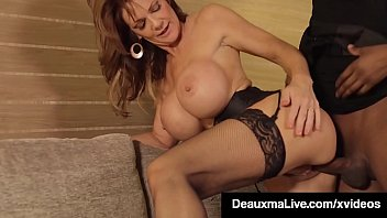 Texas Cougar Deauxma Gets Pounded In Hotel By Big Black Cock