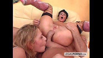 Rough threesome anal