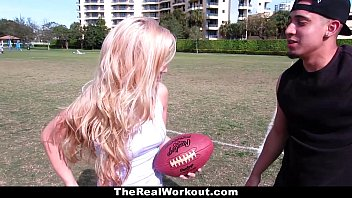 TheRealWorkout - Horny Tight Blonde Wants To Play With Balls Vorschaubild