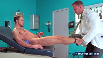 Gay cunningham and hospital Doctor knows how to treat his man